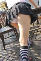ミニスカ着エロ美脚から覗くエッチな下着がパンチラ挿入エロ画像