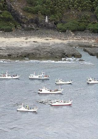 :::::国会議員ら150人、尖閣・魚釣島... 20120819-00000173-yom-000-2-view