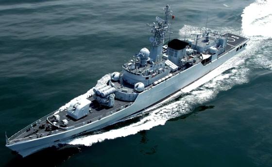 ::::::支那海軍のフリゲート艦2隻を尖閣沖で確認