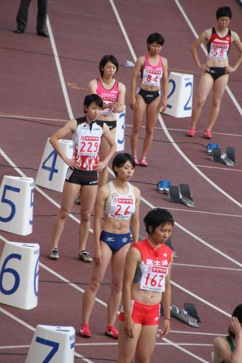 女子200m走