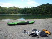 加田キャンプ場についてカヤックを乾かします