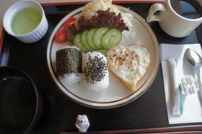 朝のおにぎり定食