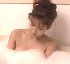 【藤崎仁美】お色気満点の入浴シーン