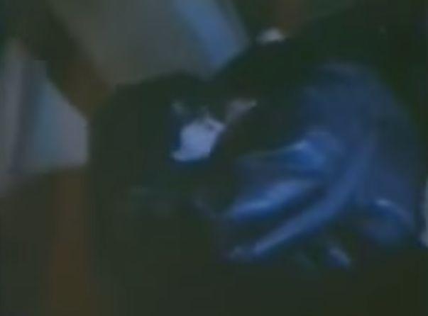 【岸惠子】暗がりの中で体を執拗に愛撫される濡れ場