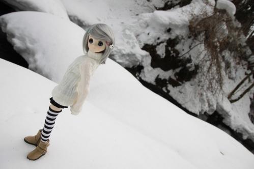 雪河原にて4