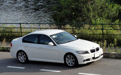 BMW E90 side2
