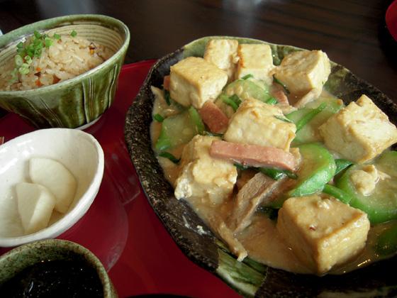 なーべらー(ヘチマ)の味噌煮
