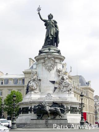 パリ レピュビュリック広場
