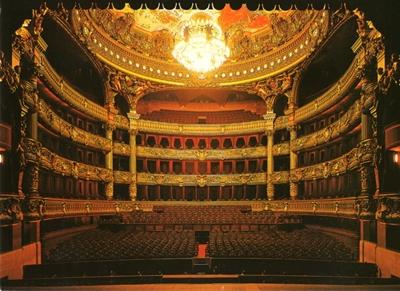 オペラハウスA