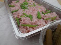 [写真]いちご飯とふきの煮物