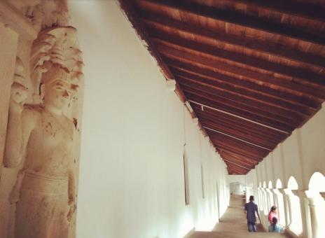 寺院の中の回廊