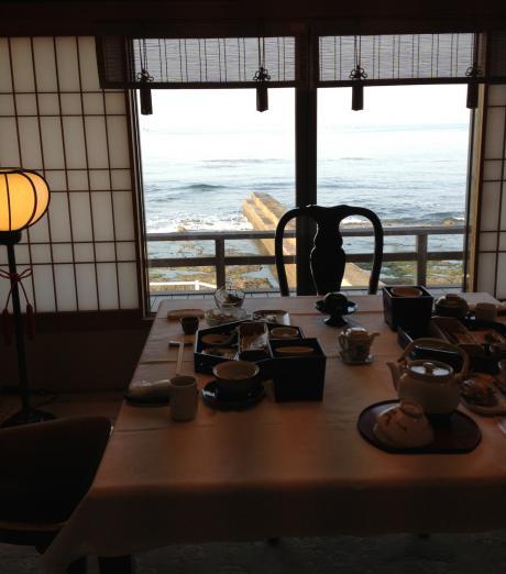 朝食の部屋2