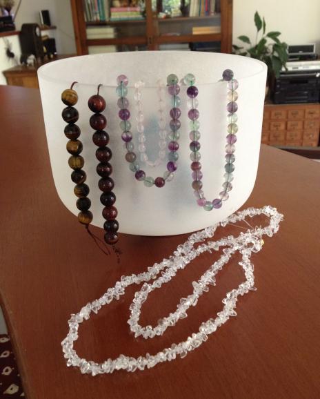 シンギングボールと石の数珠