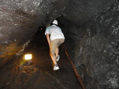 120818河口湖_5コウモリ洞穴2