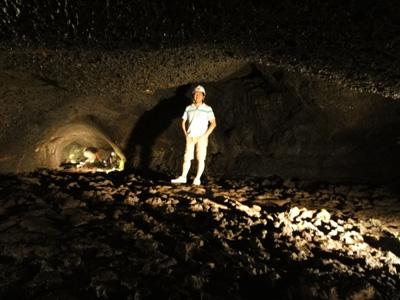 120818河口湖_5コウモリ洞穴1