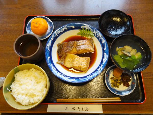 130504_04545現像_煮魚定食