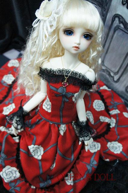 SDGrウナ 真紅ドレス3
