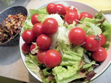 煮物とサラダ