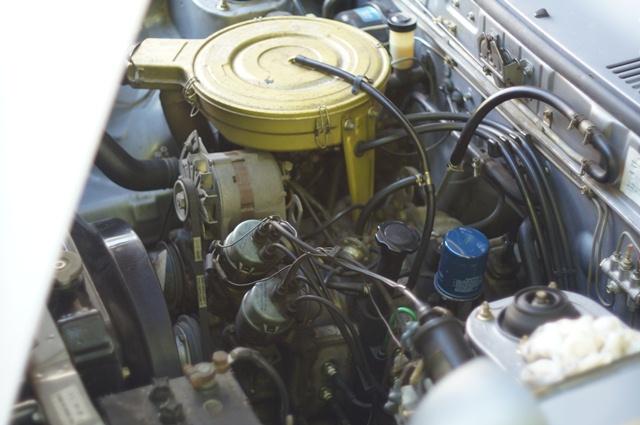 ルーチェのエンジンルーム
