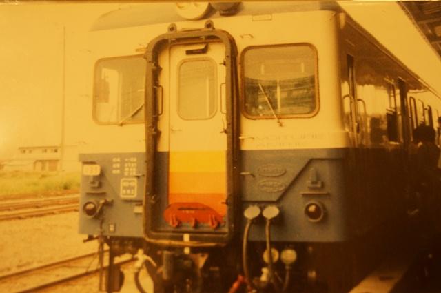 1990年の十日町駅とキハ52 135号機
