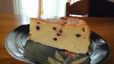 リンゴンベリー入りチーズケーキ
