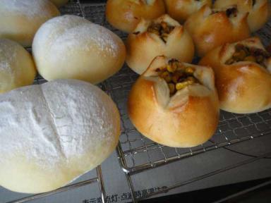 トウモロコシパン&豆乳パン