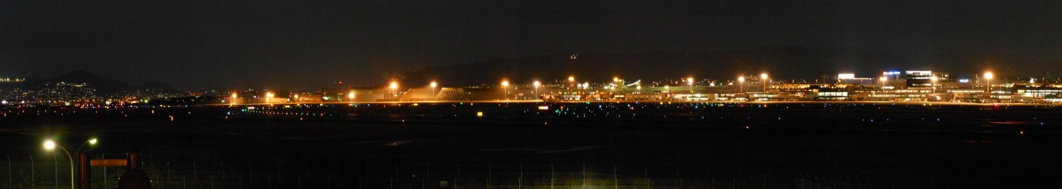 伊丹空港夜景パノラマ 2