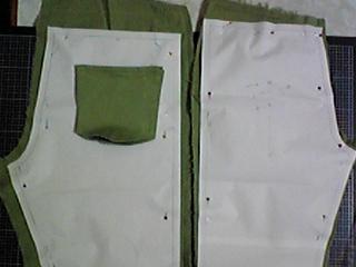 パンツ2本(赤チェック、グリーン)4