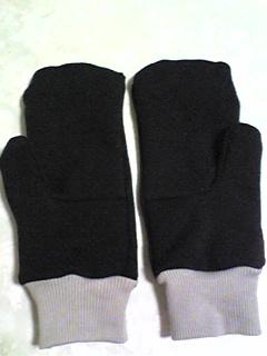 古トレーナーで手袋_01