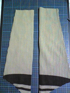 セーターの袖でネックウォーマー_02