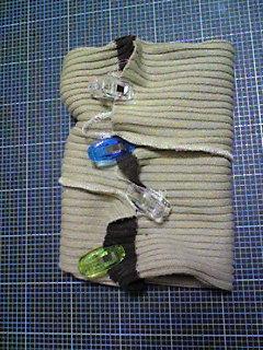セーターの袖でネックウォーマー_05