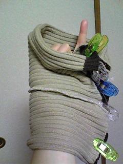 セーターの袖でネックウォーマー_06