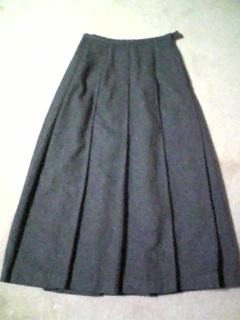 グレーのプリーツスカートをリメイク(091231)_01