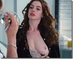 anne-hathaway-in-love-and-other-drugs-1 (4)