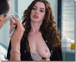 anne-hathaway-in-love-and-other-drugs-1 (5)