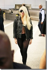 lady gaga airport 090712