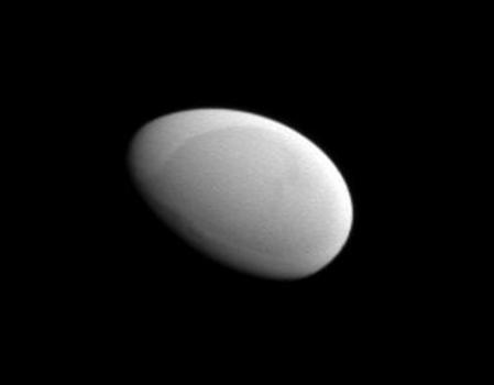 methone_cassini_960.jpg