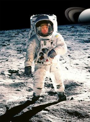 PF_On_the_Moon_16102012095226292.jpg