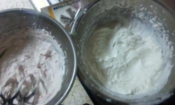 DK堂ケーキ 2種類のクリーム