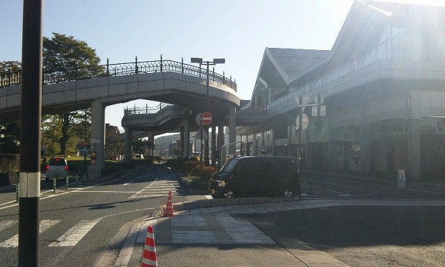 軽井沢駅 朝