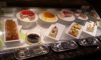 帝国ホテル 沢山のケーキ