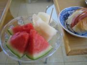 フルーツのある朝食