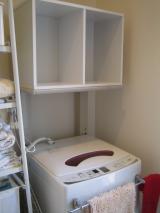 洗濯機上にカラーボックス