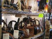 アジア雑貨売り場 木のバッグ