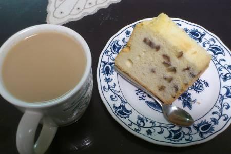 紅茶とシフォンケーキ