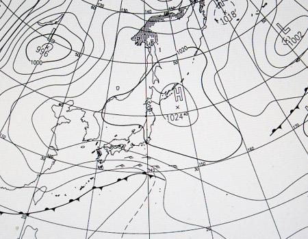 5月19日09時に予想の、21日09時地上天気図