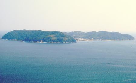 神話と結晶片岩の島、沼島(ぬしま)