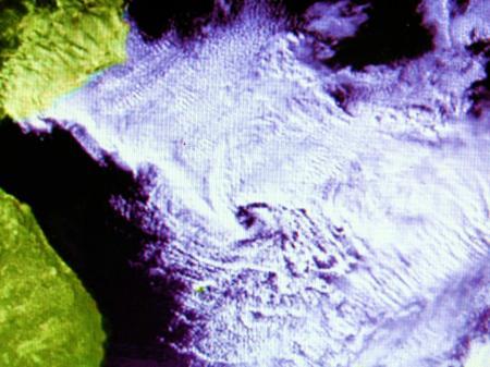 日本海寒帯気団収束帯に生じた「渦」