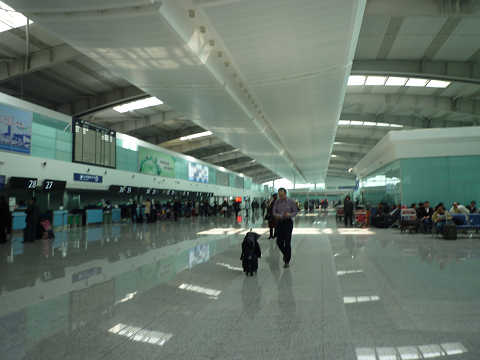 周水子国際空港通路