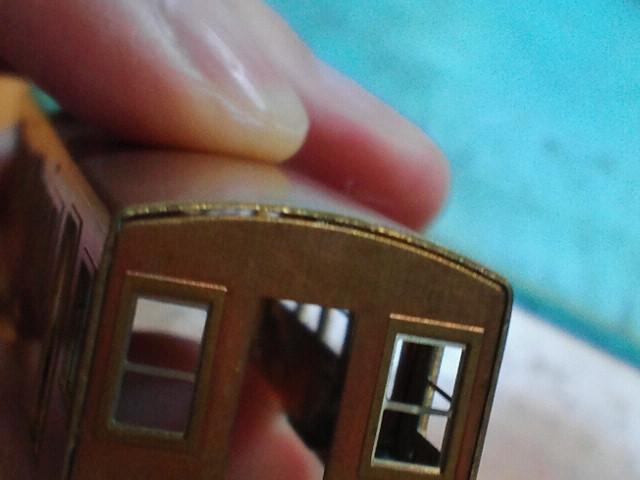 今までの真鍮キットはすべてここに隙間ができる